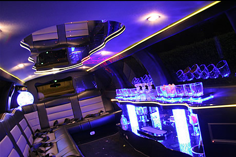 Lincoln Navigator limo hire london
